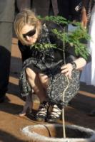 Madonna - Lilongwe - 27-10-2009 - Earth Day: per queste star è ogni giorno!