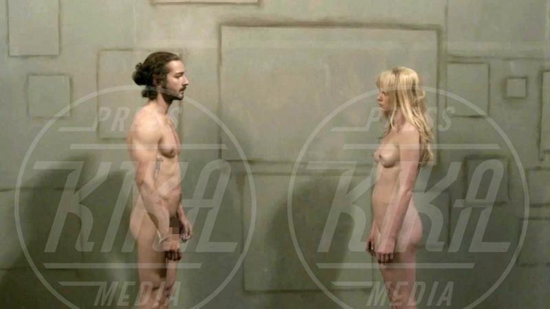 Denna Thomsen, Shia LaBeouf - 19-06-2012 - Sono esibizionista dunque sono: le star si mettono a nudo