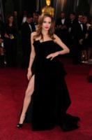 Angelina Jolie - Hollywood - 26-02-2012 - Morbido, caldo, sontuoso: è il velluto, bellezza!