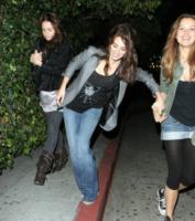 Petra Nemcova, Penelope Cruz - Hollywood - 22-11-2006 - Sabrina Impacciatore & C., quando lo scivolone è epico