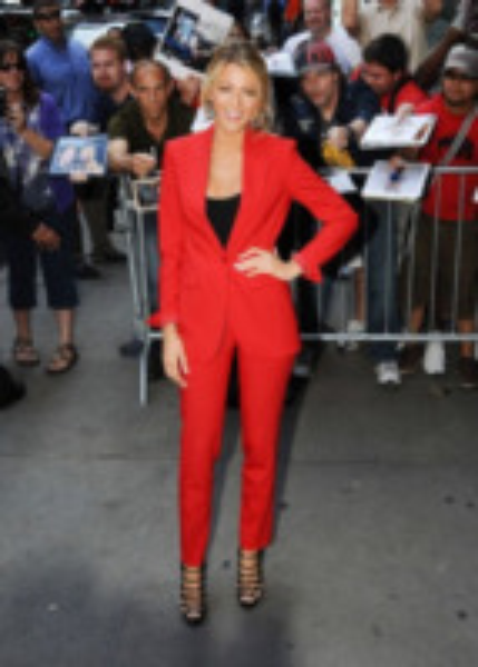 Blake Lively - New York - 27-06-2012 - Blake Lively: dal giorno alla sera, vince l'eleganza