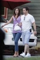 Rhea Durham, Mark Wahlberg - New Orleans - 28-06-2012 - Star come noi: il pasto si porta da casa