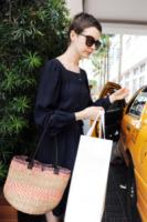 Anne Hathaway - Miami - 11-05-2012 - Paglia, vimini & corda: ecco le borse dell'estate!
