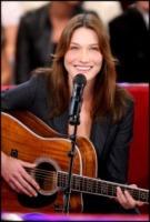 Carla Bruni - Parigi - 05-11-2009 - Russell Crowe & Co., quando l'attore diventa musicista