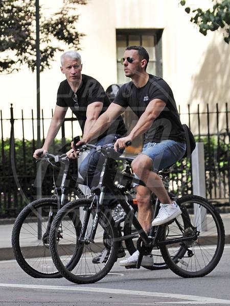 Anderson Cooper - New York - 02-07-2012 - Baldwin-Delevingne: la bandiera arcobaleno sempre più in alto