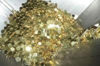 Le monete prima di essere stampate - Roma - 04-07-2012 - Zecca di Stato: viaggio nel luogo in cui nascono i nostri soldi