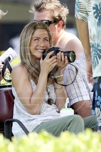 Jennifer Aniston - Los Angeles - 05-05-2010 - Chi di macchina fotografica ferisce…