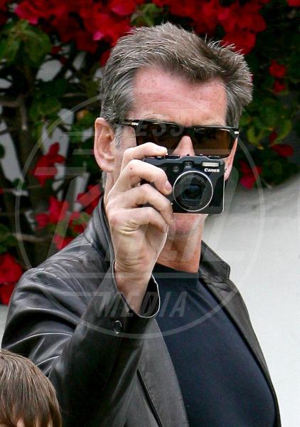 Pierce Brosnan - Los Angeles - 29-07-2010 - Chi di macchina fotografica ferisce…