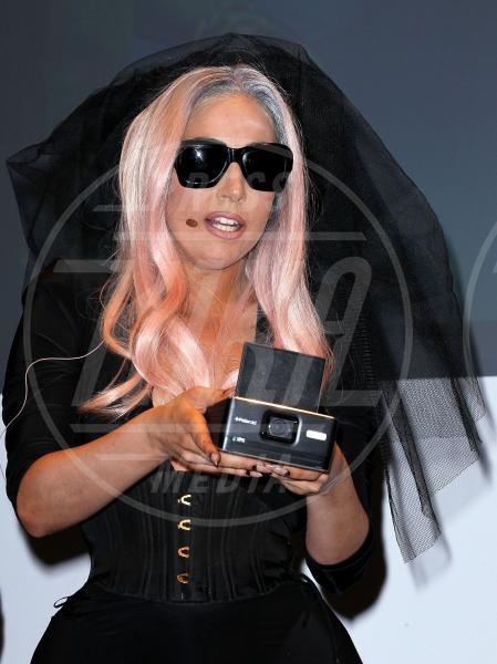 Lady Gaga - Las Vegas - 06-01-2011 - Chi di macchina fotografica ferisce…