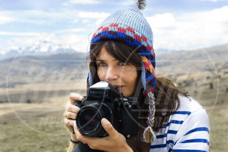 Helena Christensen - Miami - 19-06-2012 - Chi di macchina fotografica ferisce…