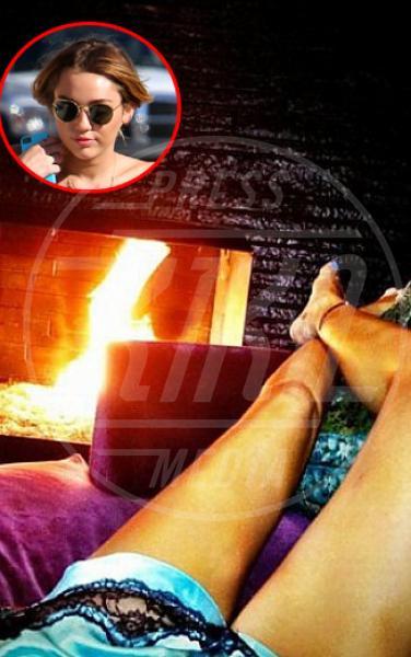 Miley Cyrus - Los Angeles - 06-07-2012 - Niente vacanze? Vendicati postando i wurstel