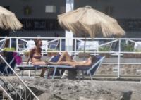 Giovanna Rei - Ischia - 12-07-2012 - Giovanna Rei fuori di seno in vacanza a Ischia
