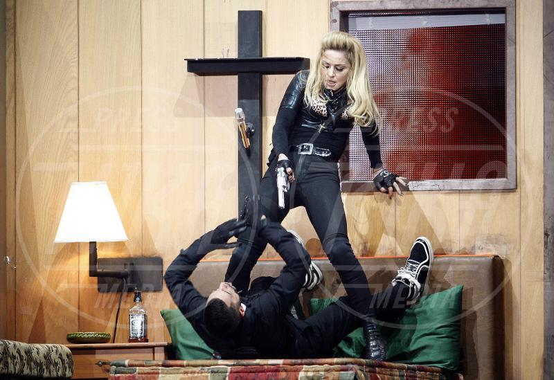 Madonna - Parigi - 15-07-2012 - Madonna spara nel nuovo Secret Project: il trailer