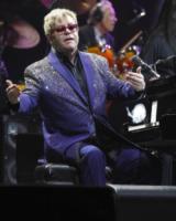 Elton John - sunrise - 09-03-2012 - Sir Elton John ricoverato per un'appendicite