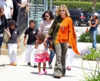Johan Riley Samuel, Lou Samuel, Henry Samuel, Heidi Klum - Los Angeles - 20-05-2012 - È arrivato l'autunno: tempo di tirar fuori il poncho!