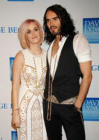 Katy Perry, Russell Brand - Los Angeles - 03-12-2011 - Katy Perry vende la villa che comprò con Russell Brand