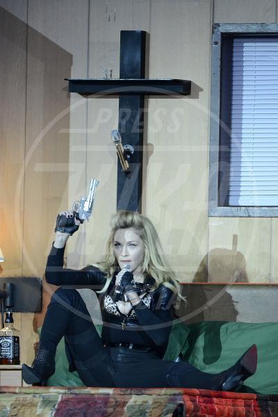 Madonna - Londra - 17-07-2012 - Chiesa e show biz, un rapporto di amore e odio