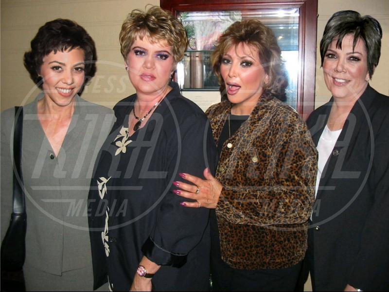 Kris Jenn, Khloe Kardashian, Kourtney Kardashian, Kim Kardashian - Los Angeles - 03-07-2012 - Le star invecchiano precocemente con Planet Hiltron