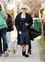 Katharine McPhee - New York - 08-03-2012 - Celebrity con i piedi per terra: W le pantofole!
