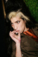 Amy Winehouse - Londra - 10-10-2007 - Giovanissimi, belli, ricchi e dannati...
