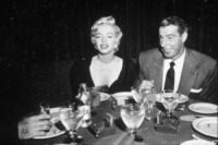 Joe Dimaggio, Marilyn Monroe - Hollywood - 01-06-1954 - Il lato oscuro delle stelle dello showbiz