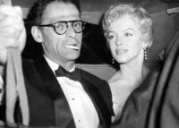 Arthur Miller, Marilyn Monroe - Sunningdale - 25-07-1956 - Marilyn Monroe fece ricorso alla chirurgia estetica