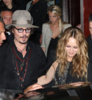 Vanessa Paradis, Johnny Depp - Cannes - 19-05-2010 - Lily Rose difende il padre Johnny Depp:
