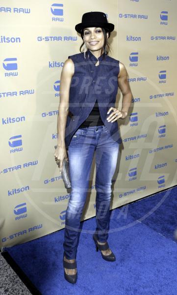 Rosario Dawson - Los Angeles - 13-08-2011 - Celebrity, tanto di cappello!