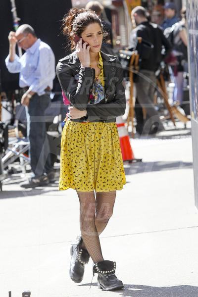 Ashley Greene - New York - 14-03-2012 - Il tocco di giallo che non guasta mai