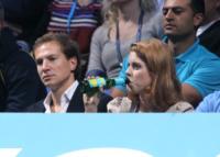 Principessa  Beatrice di York, Dave Clarke - 23-11-2011 - Quando le celebrity diventano il pubblico