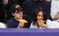 Josh Hutcherson, Vanessa Hudgens - Los Angeles - 28-03-2011 - La pizza patrimonio dell'Unesco: ma le star lo sapevano già!