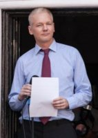Julian Assange - Londra - 19-08-2012 - Julian Assange, un compleanno in ambasciata