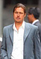Brad Pitt - Londra - 04-08-2012 - Brad Pitt posa come Bob Marley e James Dean per uno shooting