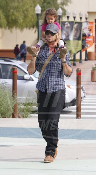 Nahla Ariela Aubry, Gabriel Aubry - Los Angeles - 19-02-2012 - Papà single:   mammi di Hollywood