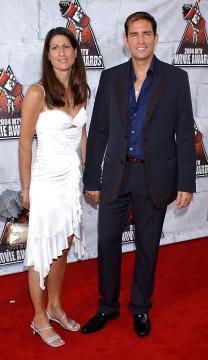 "wife, Jim Caviezel - Culver City - 05-06-2004 - Jim Caviezel ""porta la croce"" dopo la Passione di Cristo, niente piu' ruoli per lui"