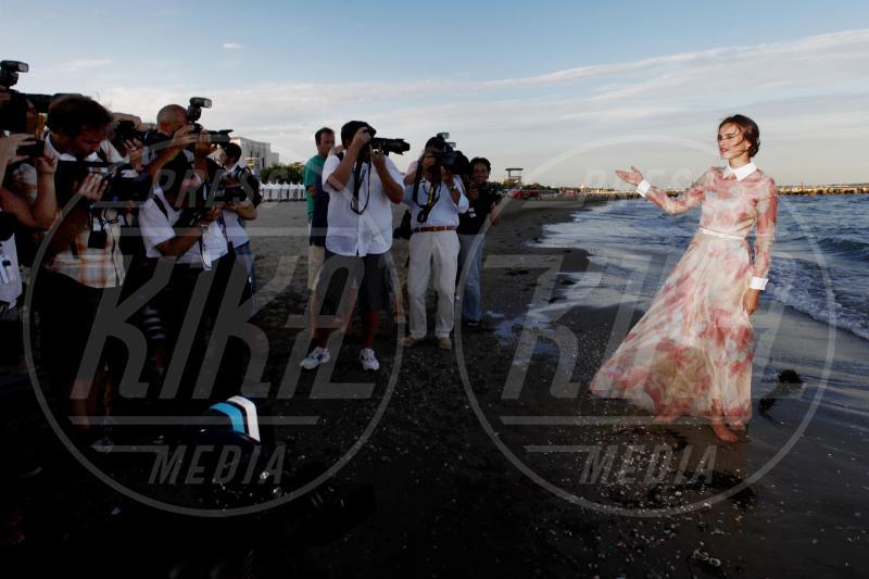 Kasia Smutniak - Venezia - 28-08-2012 - Festival di Venezia: madrine di bellezza