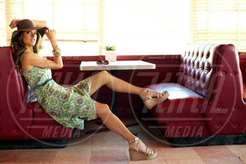Alessandra Ambrosio - Marbella - 01-09-2012 - Alessandra Ambrosio è in perfetta forma dopo la gravidanza