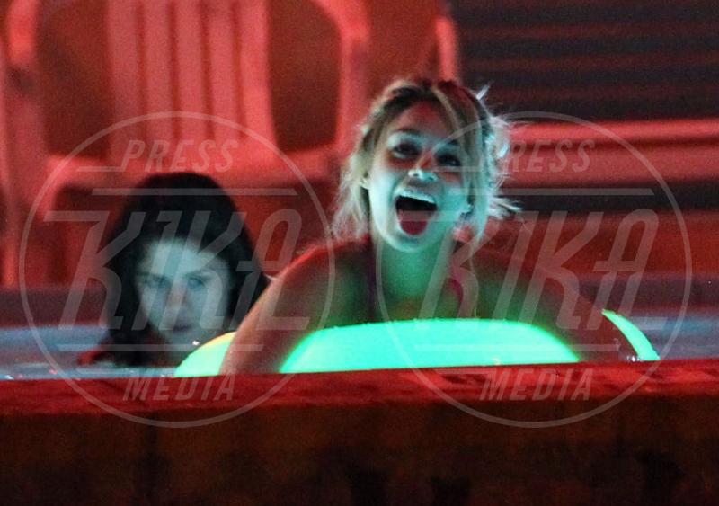 Selena Gomez, Vanessa Hudgens - Treasure Island - 15-03-2012 - 69. Festival di Venezia: grande attesa al Lido per Selena Gomez