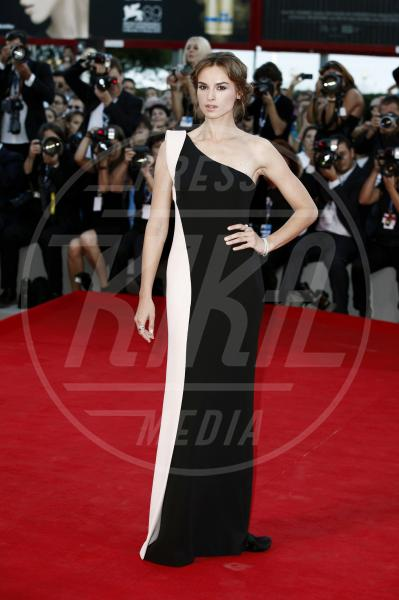 Kasia Smutniak - Venezia - 08-09-2012 - Sul red carpet, l'optical è… l'optimum!