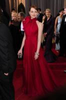 Emma Stone - Hollywood - 26-02-2012 - Nicole Kidman ed Emma Stone: chi lo indossa meglio?