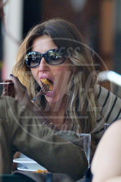 Gisele Bundchen - New York - 14-09-2012 - La grande abbuffata… che non incide sulla bilancia!