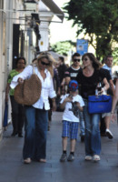 Elisabetta Ferracini, Mara Venier - Roma - 09-06-2009 - 2 ottobre: festa dei nonni… anche vip!