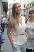 Nina Senicar - Milano - 22-09-2012 - Settimana della moda: Giuseppe Zanotti apre ai vip la sua boutique