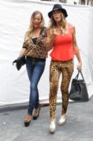 Katrina Cascella, Guendalina Canessa - Milano - 22-09-2012 - Settimana della moda: Giuseppe Zanotti apre ai vip la sua boutique