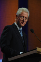 Bill Clinton - New York - 24-09-2012 - Harvey Weinstein molesta una modella italiana