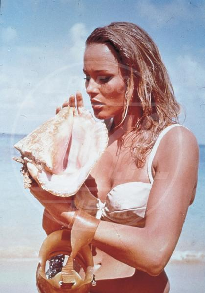 Ursula Andress - Los Angeles - 29-09-2012 - Le donne di James Bond compiono 50 anni