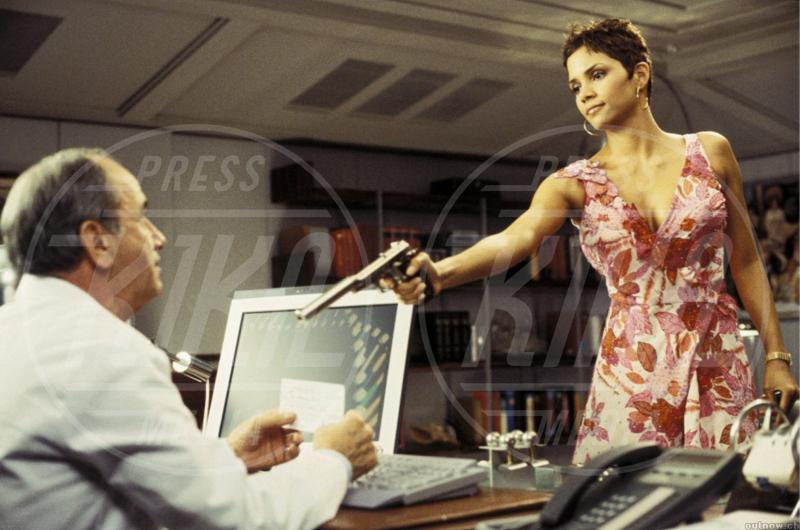 Halle Berry - Le donne di James Bond compiono 50 anni