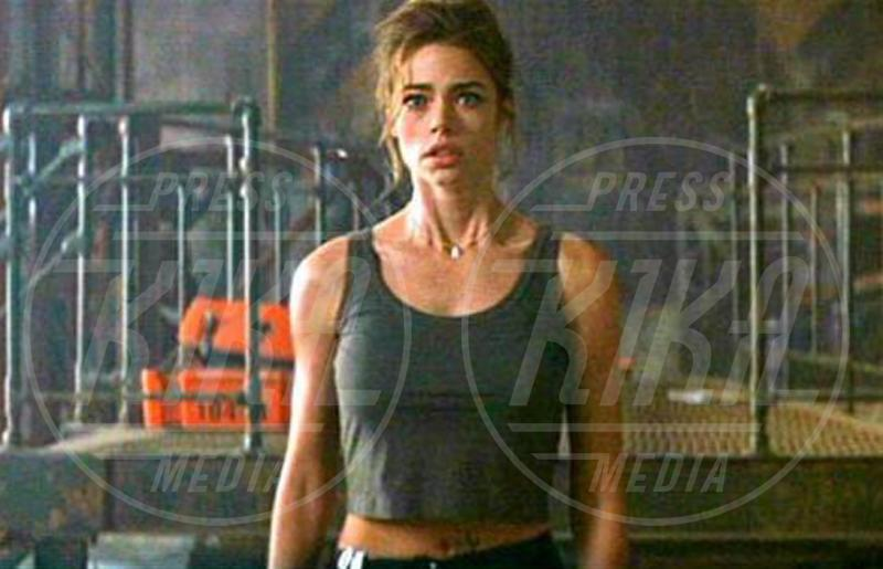 Denise Richards - Los Angeles - 07-11-2006 - Le donne di James Bond compiono 50 anni