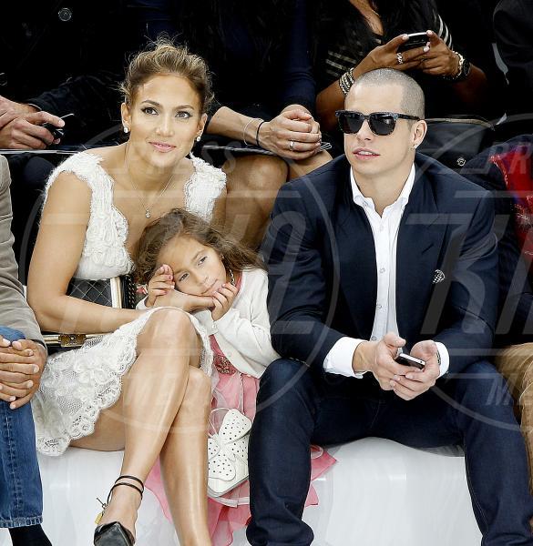 Casper Smart, Emme Anthony, Jennifer Lopez - Parigi - 02-10-2012 - Lo show di Jennifer Lopez preso di mira dalle proteste anti-gay