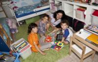 mamma Erika Di Martino, Nicholas Curto, Olivia, Thomas - 03-10-2012 - Erika Di Martino e l'homeschooling:la scuola fuori dalla scuola!